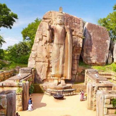 Aukana-Buddha-statue