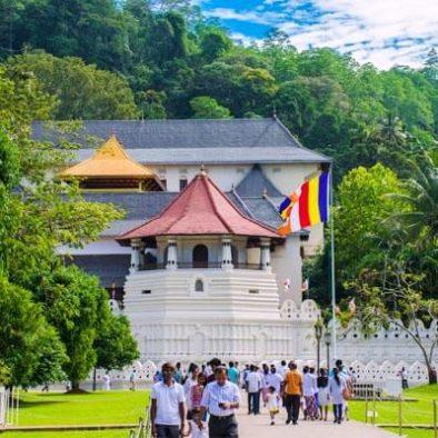 Besuch im Kandy Zahntempel
